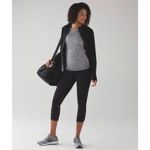 Lululemon Hit It 21' Crop (Black)